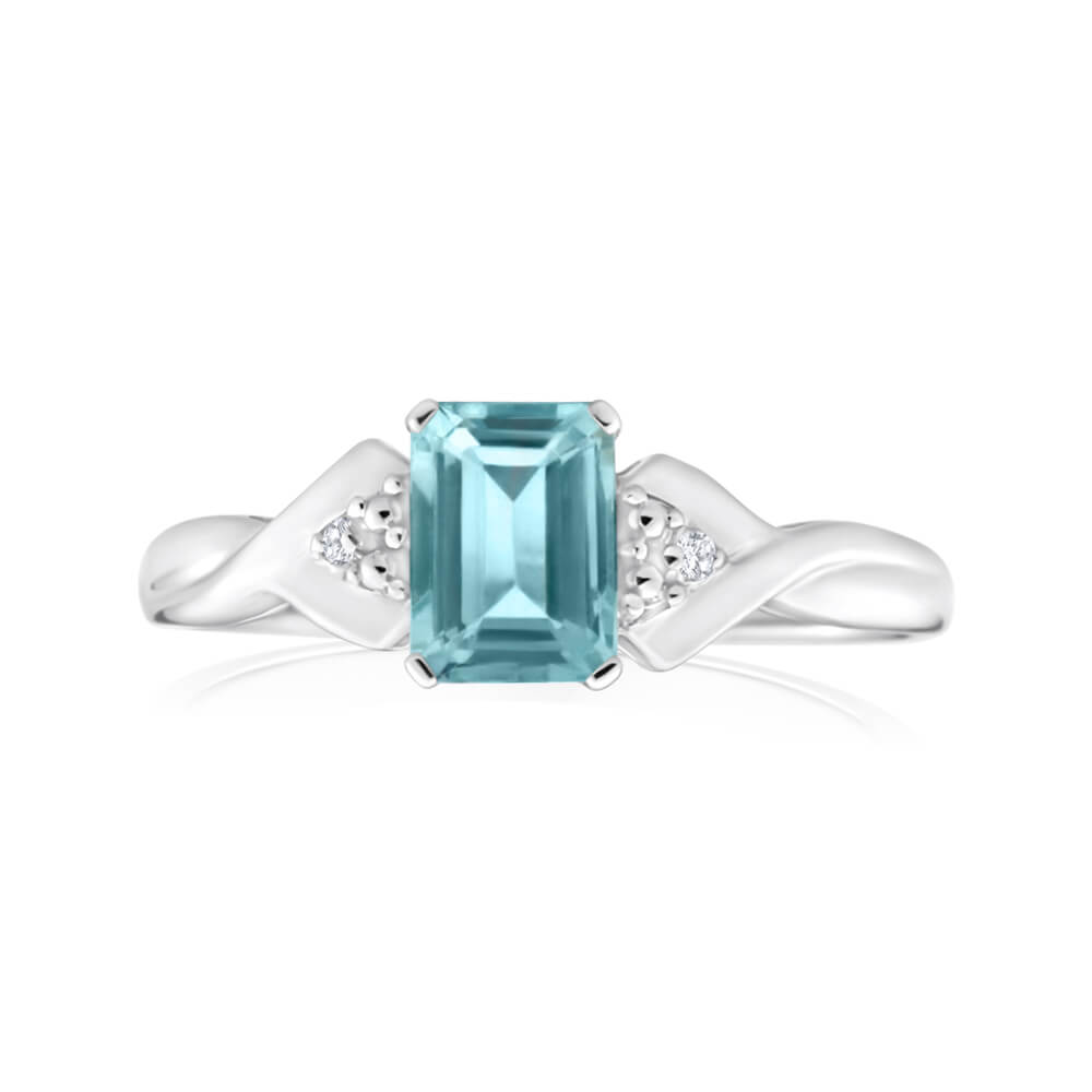 9ct White Gold Rectangluar Aquamarine + Diamond Ring