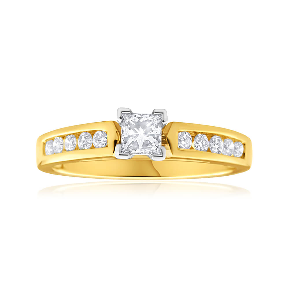 9ct Yellow Gold & White Gold Ring With 0.5 Carats Of Diamonds