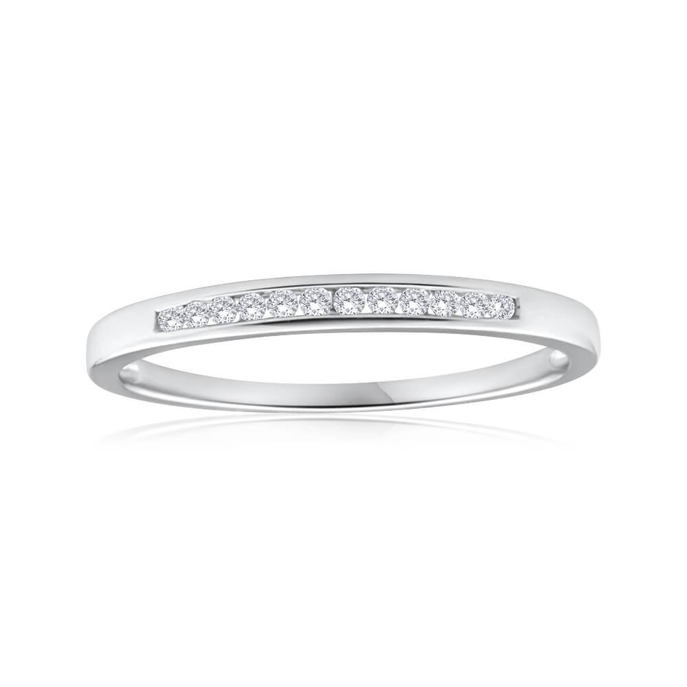 9ct White Gold Splendid Diamond Ring