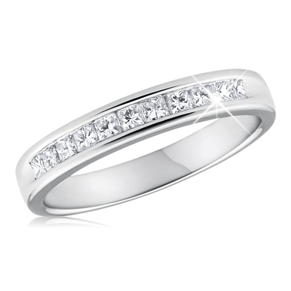 9ct White Gold Diamond Ring With 11 Princess Cut Diamonds