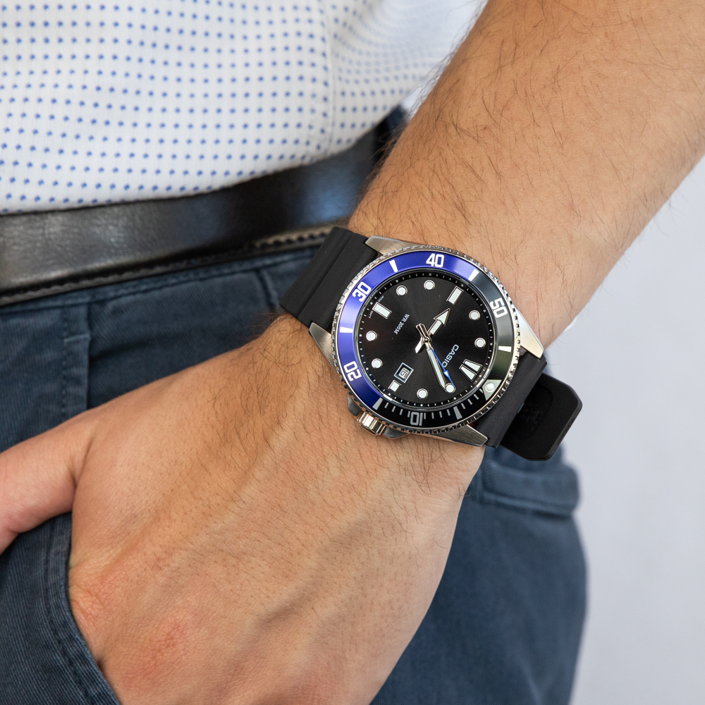 Casio Duro MDV107-1A2  200 Metres Divers Watch