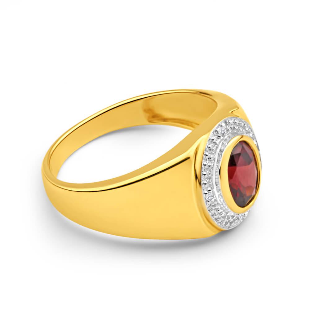 9ct Yellow Gold Garnet and Diamond Gents Ring
